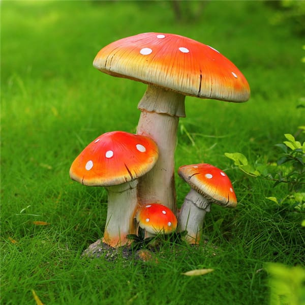 Decorative Resin Cartoon Mushroom Statue